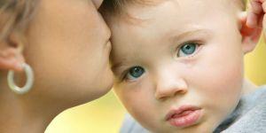 dziecko, mama, płacz, łzy, smutek