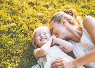 dziecko, mama, radość, słońce