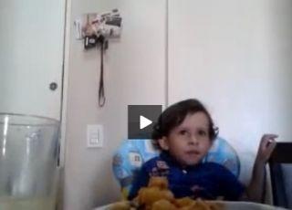 dziecko, mały wegetarianin