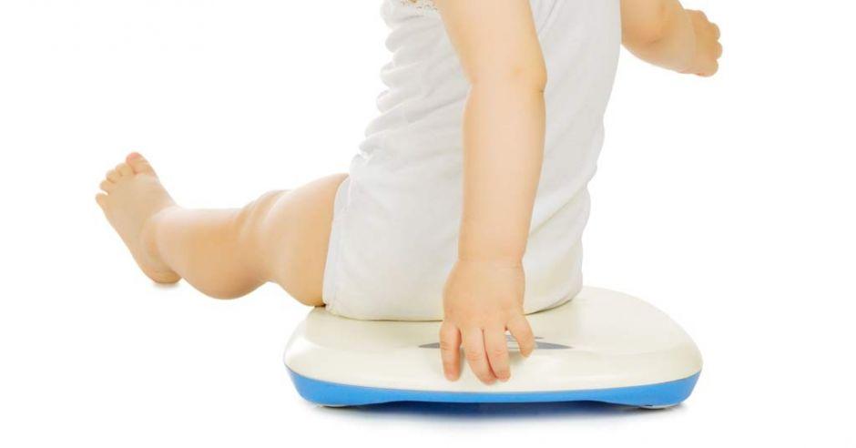 Dziecko na wadze