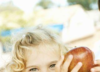 dziecko, odżywianie, jabłko