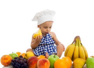 dziecko owoce