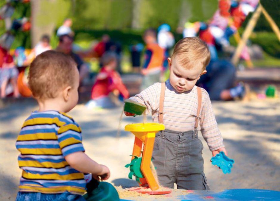 dziecko, plac zabaw, zabawa, piaskownica