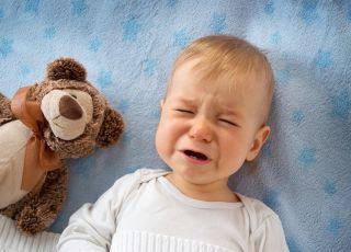 dziecko płacze przez sen