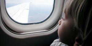 dziecko, podróż, wakacje, samolot