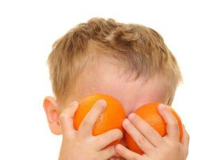 dziecko, pomarańcze, kuchnia