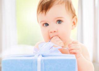 dziecko, prezent, niespodzianka, paczka, kokarda, niemowlę