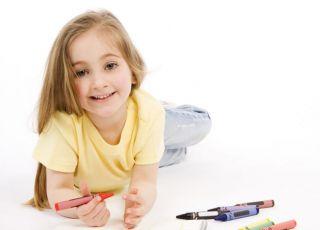 dziecko, rysować, kredki