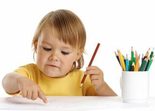 dziecko, rysować, leworęczność, kredki