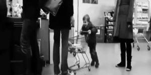 dziecko, sklep, wózek, bezstresowe wychowanie