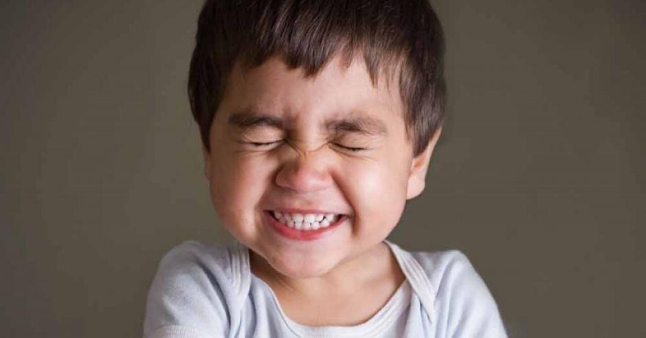 dziecko, śmiech, wstyd