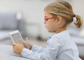 dziecko, tablet, dziewczynka, okulary