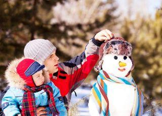 dziecko, tata, bałwanek, zima, śnieg