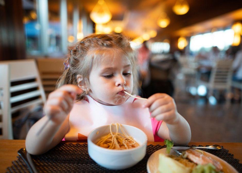 dziecko w restauracji