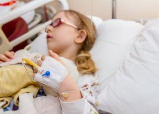 dziecko w trakcie chemioterapii zarażone odrą