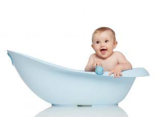Dziecko w wanience, kąpiel dziecka