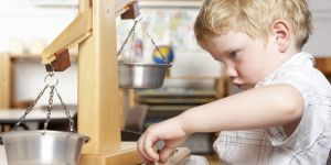 dziecko w żłobku Montessori