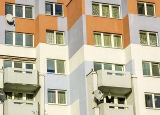 Dziecko wypadło z balkonu