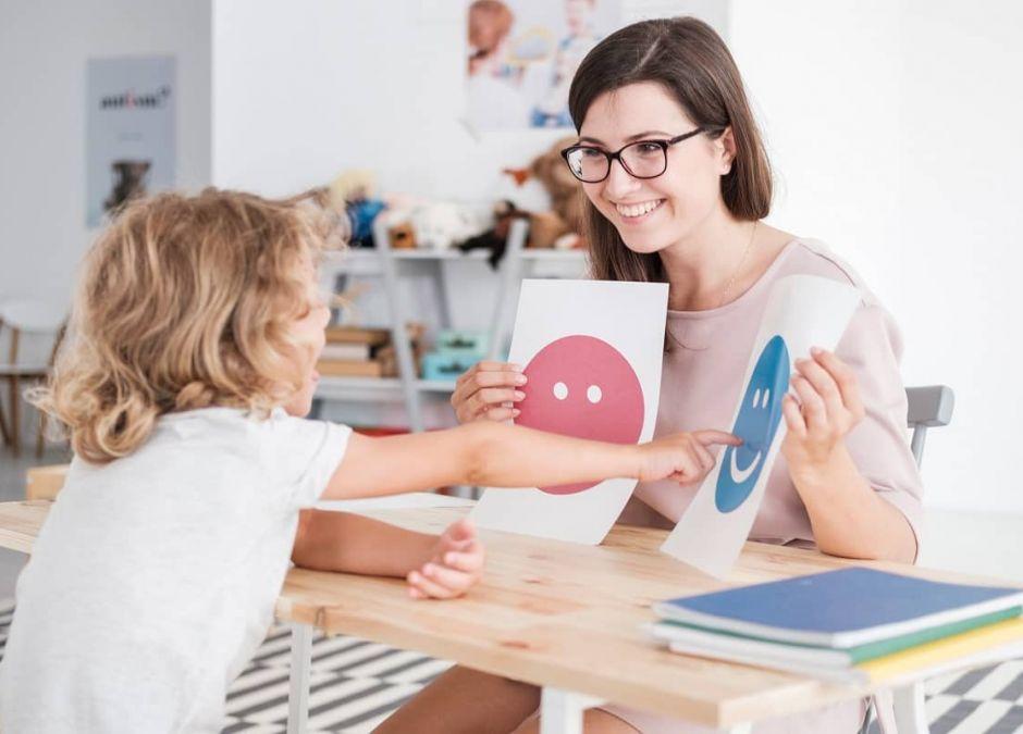 Dziecko z autyzmem jak postępować