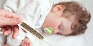 Dziecko z gorączką nie musi dostawać od razu leków