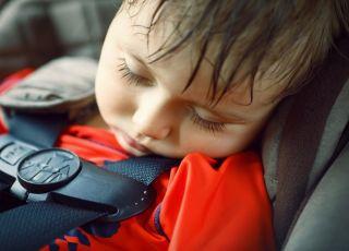 Dziecko zamknięte w samochodzie