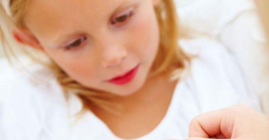 dziecko, zdrowie dziecka, opatrunek, plaster