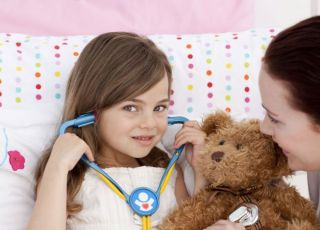 dziecko, zdrowie, mama, badanie, łóżko, chorować