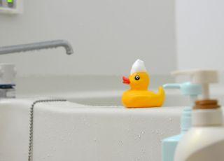 Dziecko zmarło podczas kąpieli w wannie