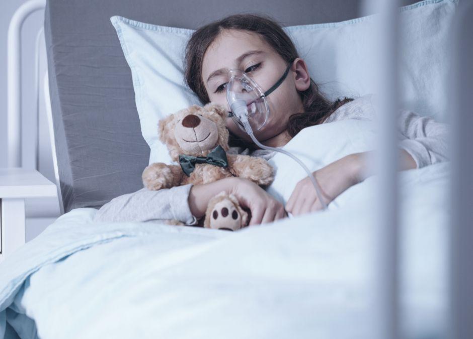 Dziewczyna, która choruje na białaczkę
