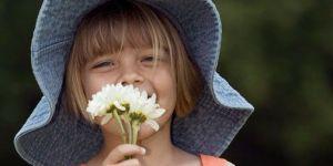 dziewczynka, lato, kwiaty, kapelusz