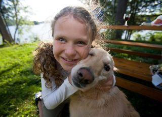 dziewczynka, pies, zwierzęta