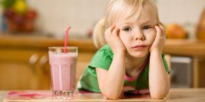 dziewczynka, smutek, jedzenie