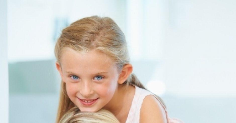 Dziewczynka z mamą