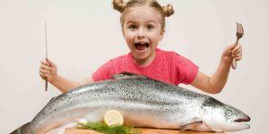 Dziewczynka z rybą