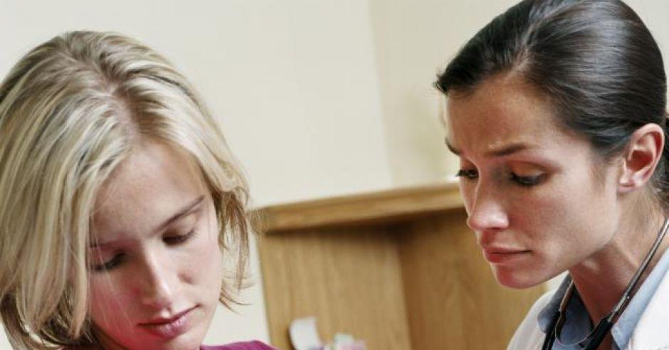pierwsza wizyta noworodka w przychodni, badania niemowlaka