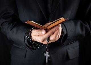 Episkopat uważa, że przeciwdziała wykorzystywaniu seksualnemu nieletnich. Faktycznie?