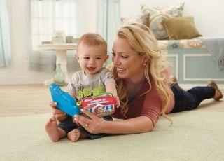 Fisher Price - mama bawi się z dzieckiem