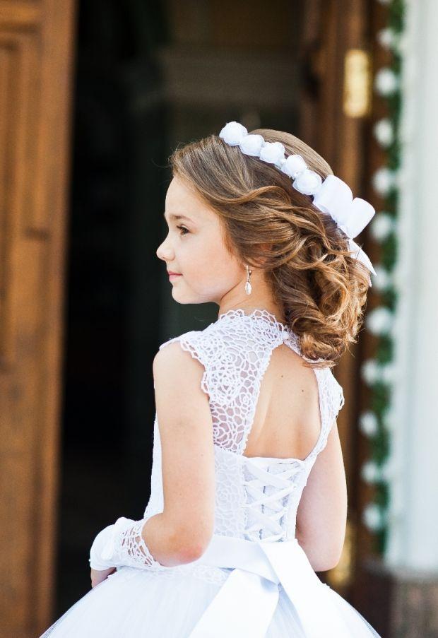 Wyjątkowe Fryzury Na Komunię 15 Propozycji Dla Dziewczynek