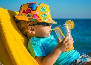 GIS ostrzega przez udarem słonecznym u dzieci