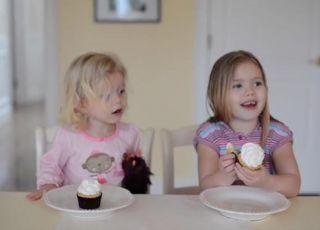 Grac i Giuliana dowiadują się o płci rodzeństwa dzięki babeczkom