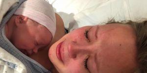 Hannah Mongie z synem tuż po narodzinach