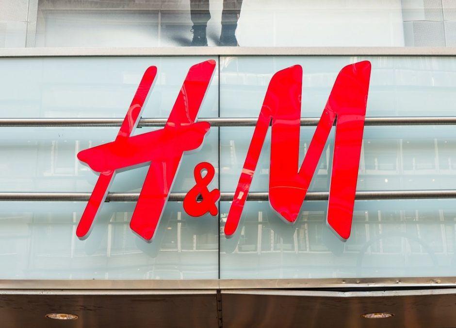 H&M powoli otwiera sklepy