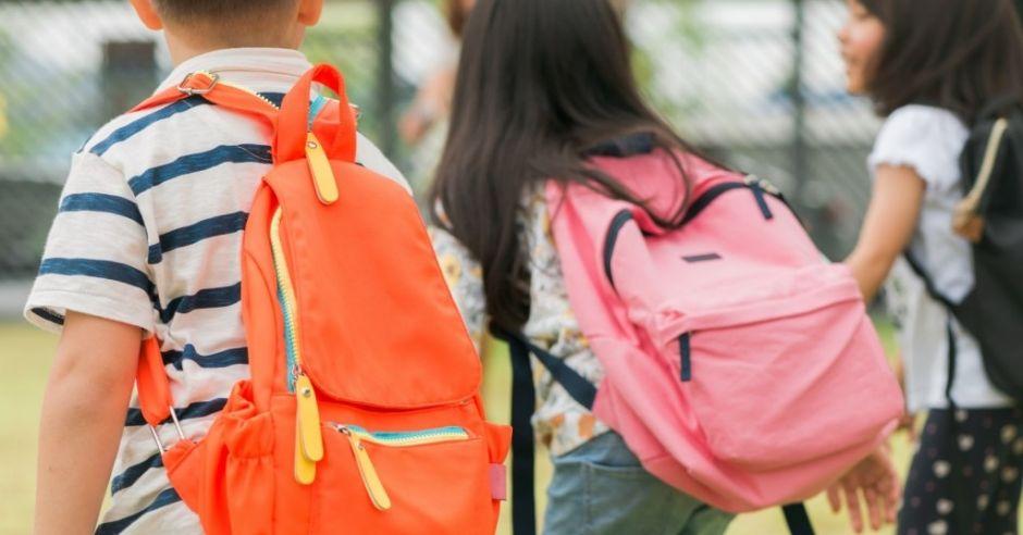 Ile powinien ważyć plecak dziecka