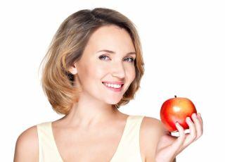 jabłko, kobieta, dieta, zdrowa dieta, dieta odkwaszająca, owoce