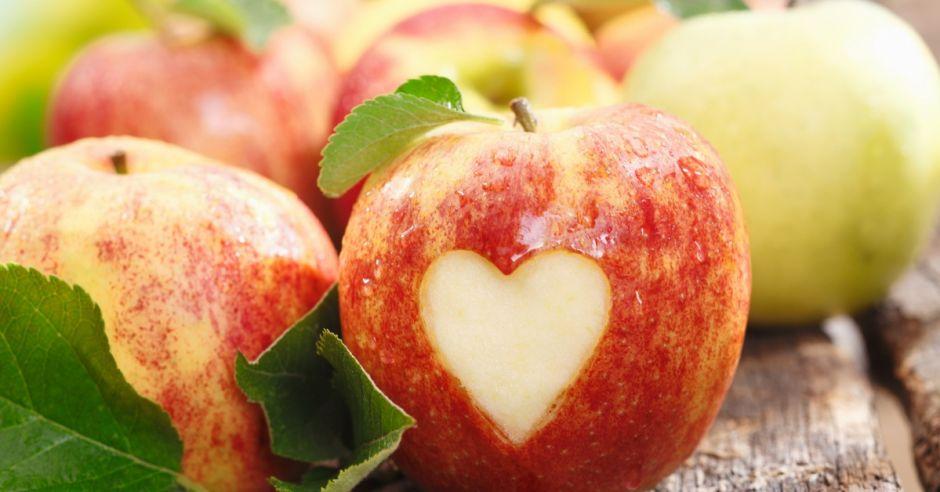 jabłko, serce, serduszko, walentynki, owoce
