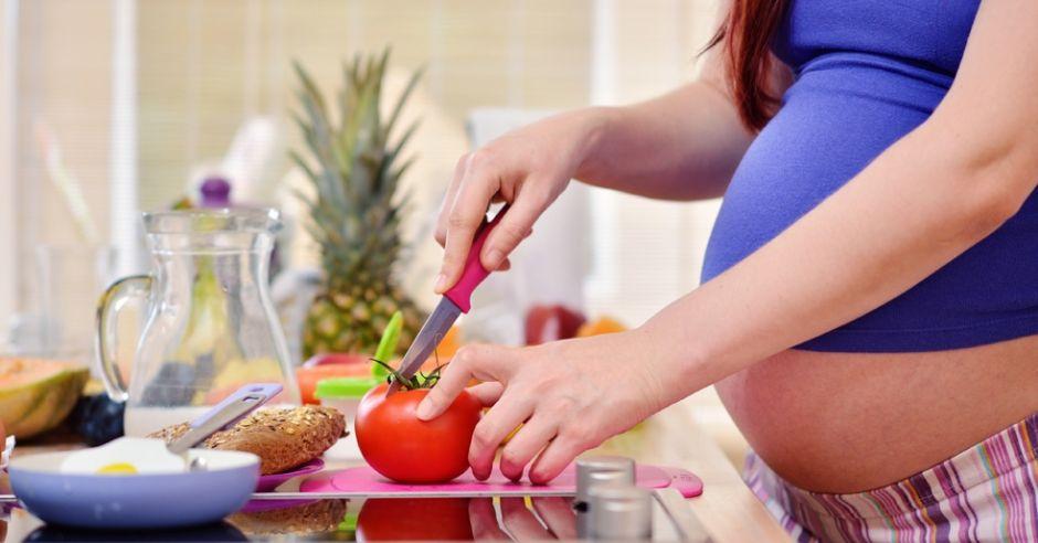 Jadłospis nadwaga w ciąży, jadlospis dla ciężarnej z nadwagą, nadwaga w ciąży, jak nie przytyć w ciąży