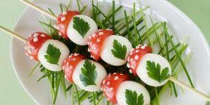jajka, muchomorki, pomidory