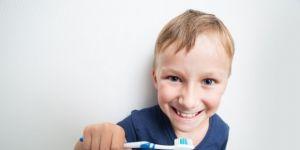 Jak dbać o dziąsła dziecka?