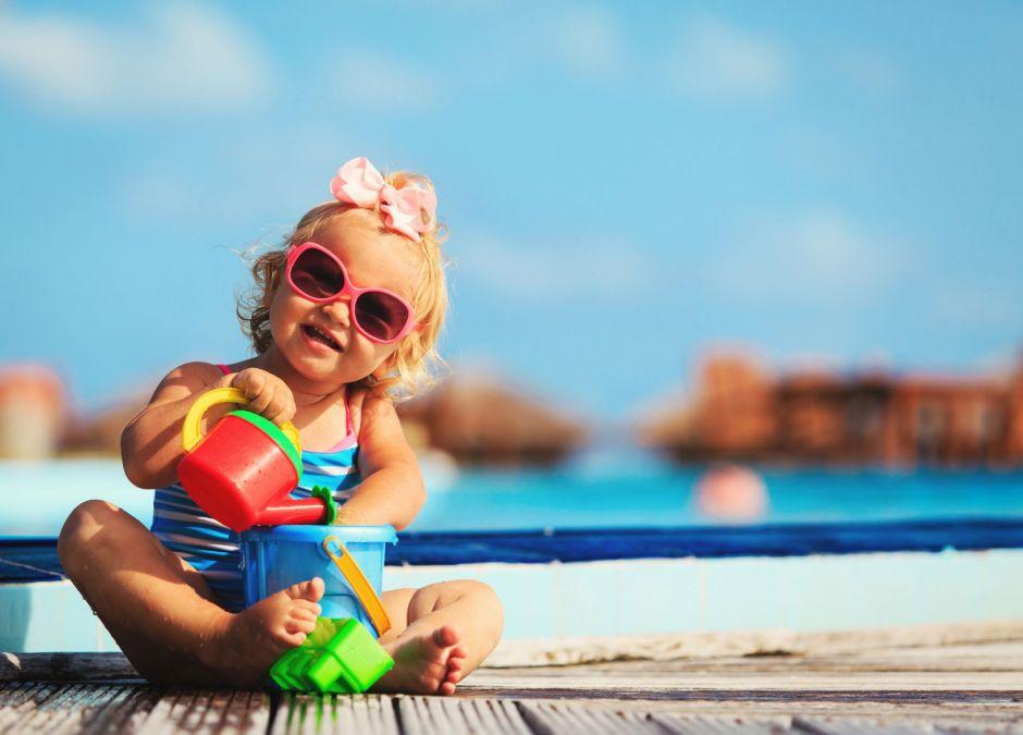 Jak kupować okulary przeciwsłoneczne dla dziecka?