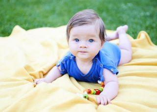 Jak nie przegrzać dziecka latem
